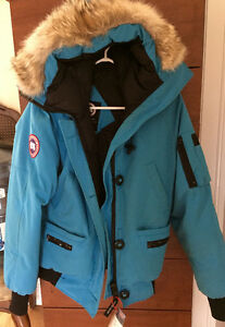 Canada Goose, Size Medium and Blue (Women's)