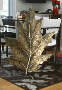 Gold oak leaf by S Fantaine