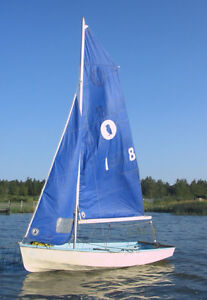 Puffin Pacer Sailing Dinghy (With trailer)