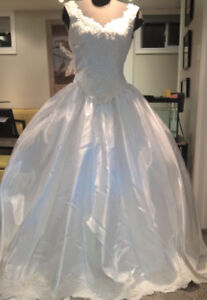 Beautiful New Ball Gown Never Worn Size 10/12