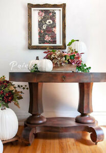 LARGE OVAL ENTRY TABLE
