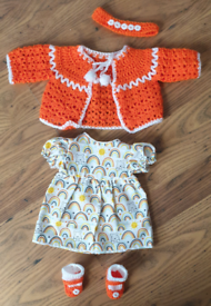 New knitted dolls clothes