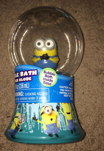 MINIONS BUBBLE BATH GLITTER GLOBE Disney ~ BRAND NEW!!!