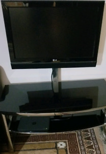 """LG 32""""  With Glass Table Stand"""