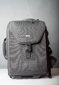 Think Tank V1 Airport Take Off Wheel Bag/Backpack