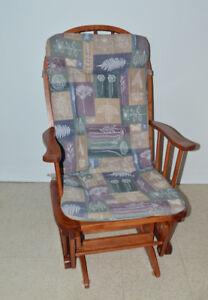 Chaise berçante en bois érable doré - Très bon état