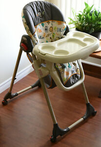 BabyTrend Deluxe High Chair (Hardly Used)