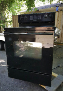 Black Samsung Stove/Convection Oven