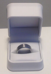 Wedding Ring MENS TUNGSTEN Size 9 Perfect Condition With Box