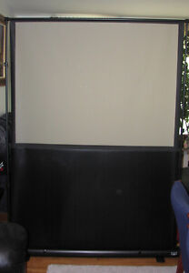 Portable (rear) Projector Screen DaLite 4ft x 3ft
