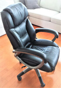 Like New Manager's Office Chair
