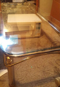 Coffee table with glass top in great shape