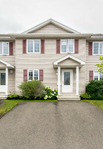 137 Damien, Dieppe - ***IMMACULATE*** TOWNHOUSE!!