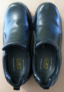 Dakota Slip on Safety Shoes, size 9, anti-slip