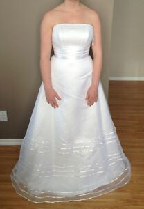 Wedding Dress (NWT)