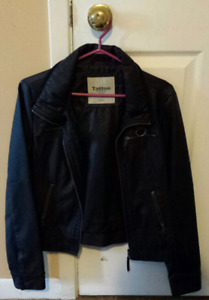 Ladies size med. Leather coat GREAT SHAPE!