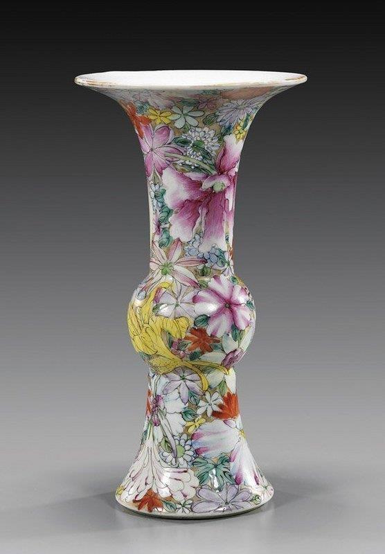 Superb Chinese Famille Rose Porceclain Vase,