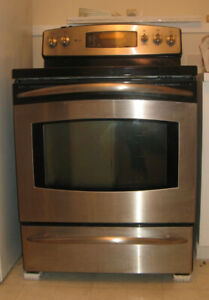 GE self-cleaning convection oven
