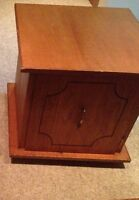 End table real wood great shape