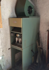 MOVING SALE--Furnace For Home and Garage Shop Flamemaster