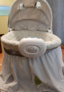 2 In 1 Bily Bassinet With Mobile