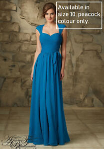 Dresses for your special occasions for awesome prices.