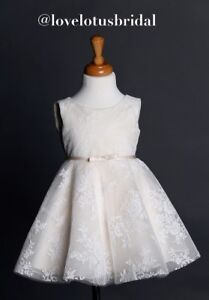Kid's dress for rent!!