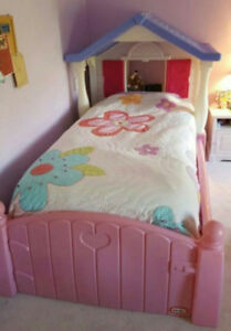 Little Tikes Storybook Cottage Bed