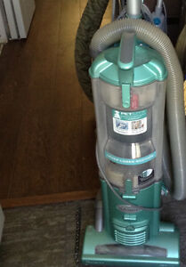 Bissell upright canister pet hair vacuum with attachments & box