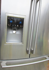 ELECTROLUX FRIDGE >Bottom Freezer >Steel >MINT >Only 4 Years Old