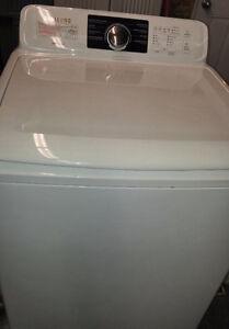 laveuse SAMSUNG à chargement vertical de 4,9 pi³