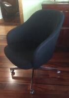 Fauteuil rétro chaise laine noir 1970 STANDARD DESK MTL design