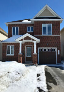 Beautiful, bright 3bdrm+2full+2 1/2bath single home in Barrhaven