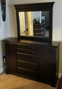 3 Piece Bedroom Dresser & Nightstand **Excellent condition**