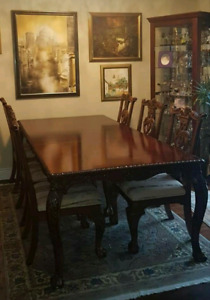 Traditional (Extendable) Solid Wood Dining Table + 6 Chairs
