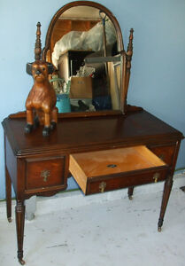 Antique Vanity With Mirror Bell Southampton Furniture Co.