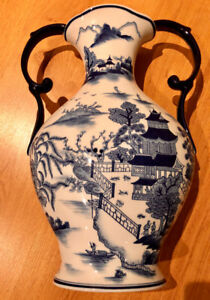 Beautiful Blue & white porcelain vase