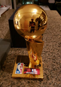 Toronto Raptors Replica Larry O'Brien NBA Championship Trophy