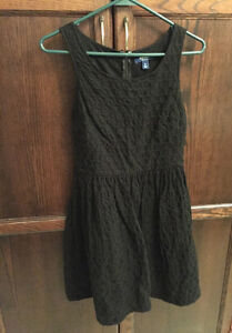 Girls Old Navy black dress size 0 (12/14)  *barely worn