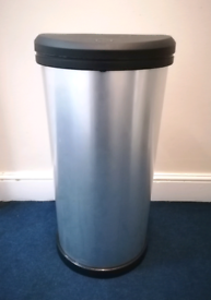 CURVER 40 Litre Deco TOUCH TOP to open KITCHEN BIN - SILVER FINISH