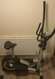 Cross trainer and exercise bike 2 in one