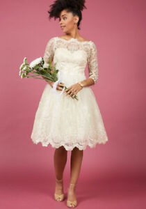 BNWT - Chi Chi London Gilded Grace Lace Dress (size 4 small)