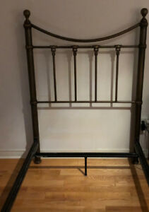 Twin/Twin XL Bed frame