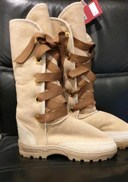 bca4d8e84bb Ladies Ugg Boots size 10 | Women's Shoes | Gumtree Australia Casey ...