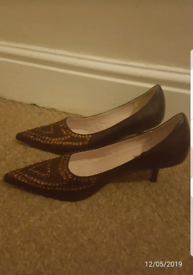 Brown heeled shoes NEW