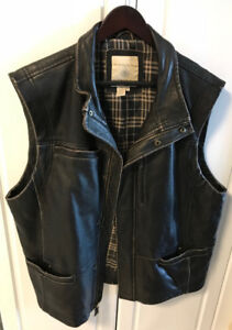 Mens XL Leather Vest from Territory Ahead