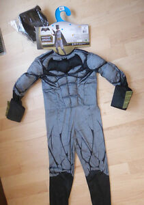 NEW Deluxe Batman padded costume, size 8 - 10 years with mask