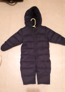 Old navy snow suit