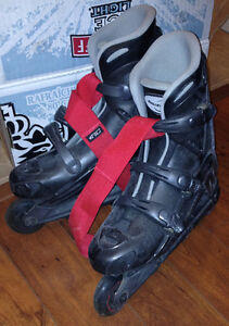 Rollerblades size 9 Mens Very Good Condition with carrying strap