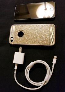 Iphone 5S - Unlocked 16GB (Excellent Condition)